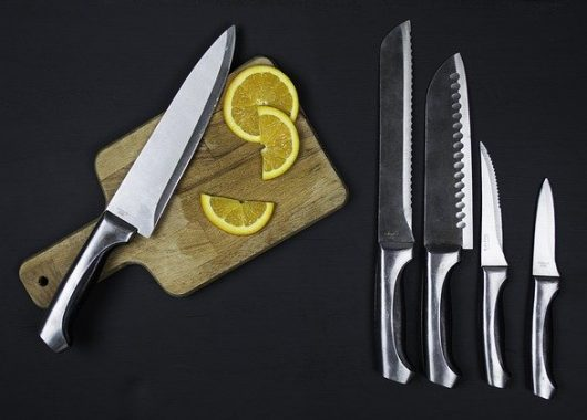 knife for cutting cooked