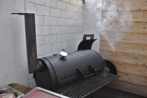 best charcoal smokers for beginners